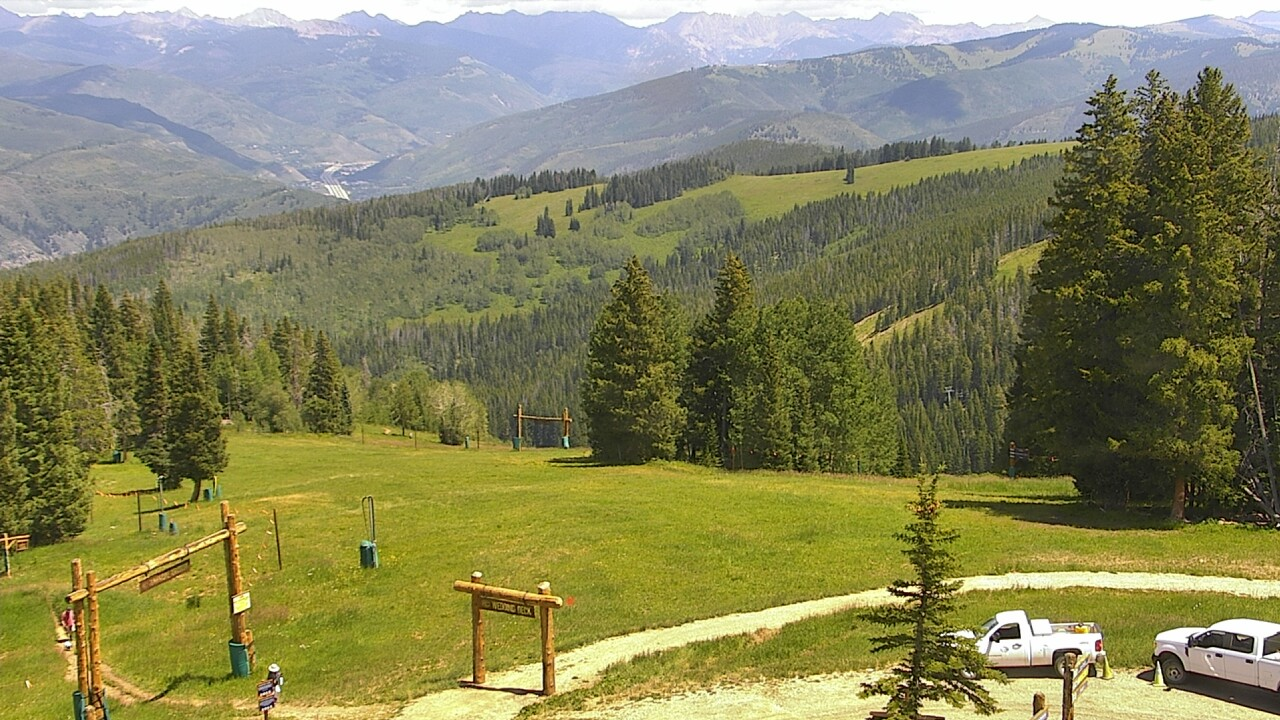 Beaver Creek Webcam TOP OF CENTENNIAL LIFT Elevation: 10,200'/3,109m.